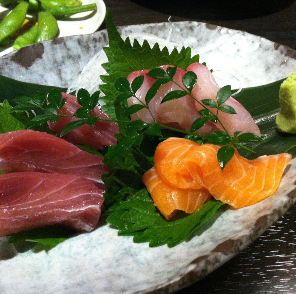 sashimi-sushi