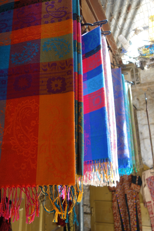 israeli-middle-eastern-market-scarves