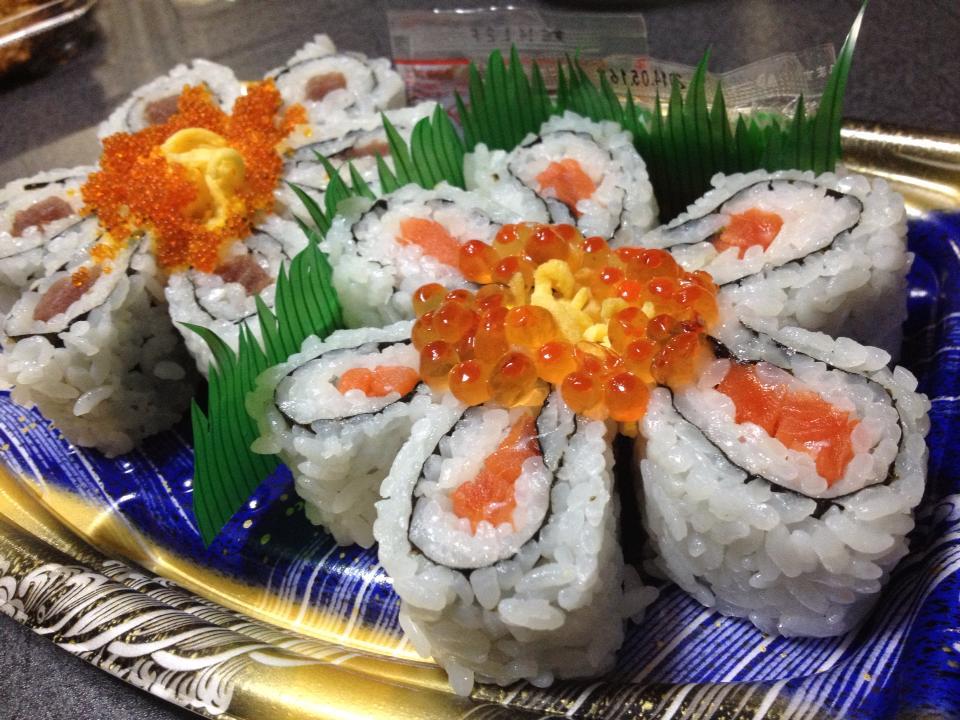 flower-salmon-sushi