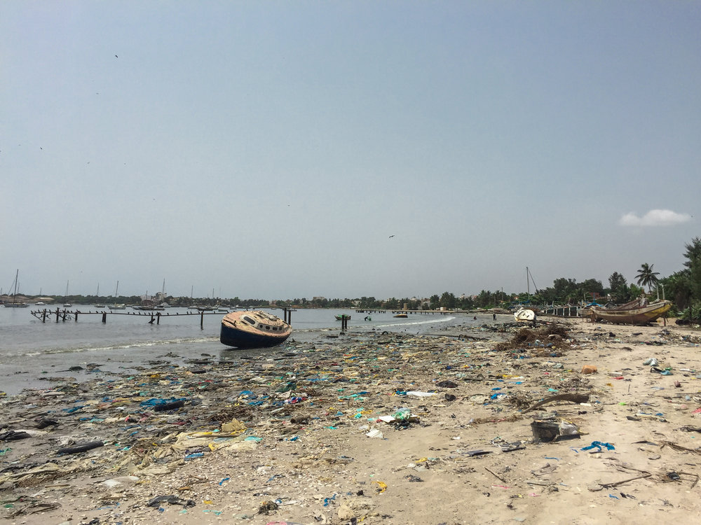 polluted-beaches-dakar-senegal