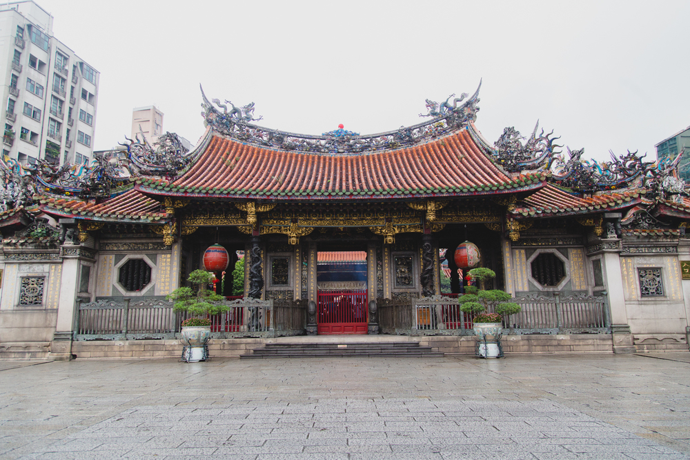 Longshan Temple was first constructed in 1738 but unfortunately has gone through many reconstructions from events like World War II bombings. Very little of the original temple remains but it is still considered one of the most important temples in the city. The host deity is Guanyin, the Buddhist Goddess of Mercy.