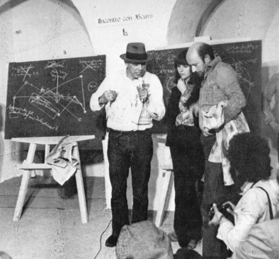 con Joseph Beuys, 1974