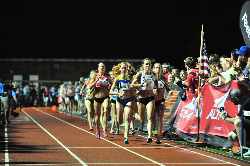 Women's Sir Walter Miler Elite Race. Photo Cred: Cheryl Treworgy / PrettySporty.com