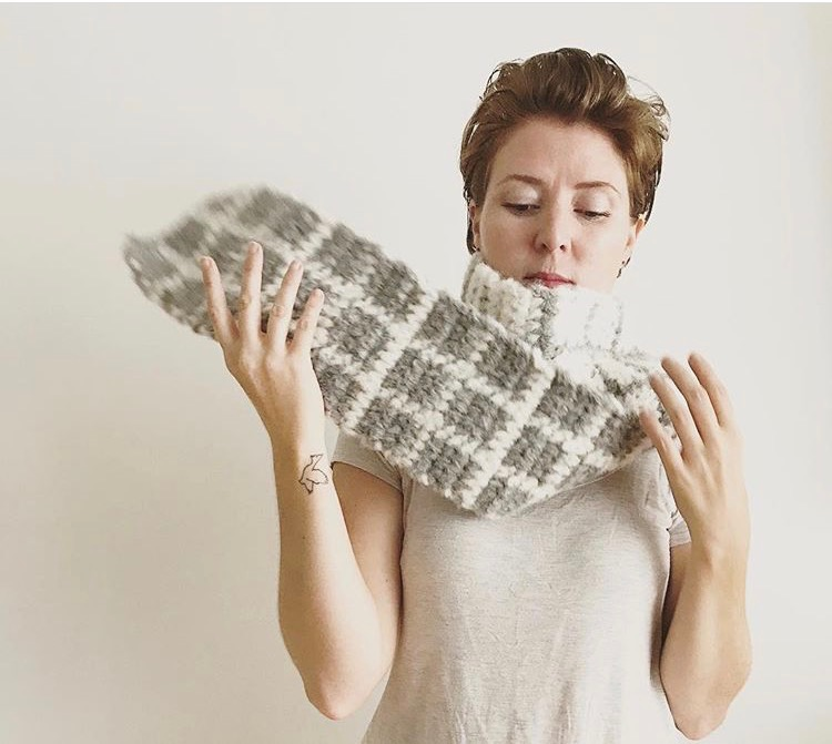Nicole of Naturally Nora crochet inspiring me and blowing my mind with this scarf