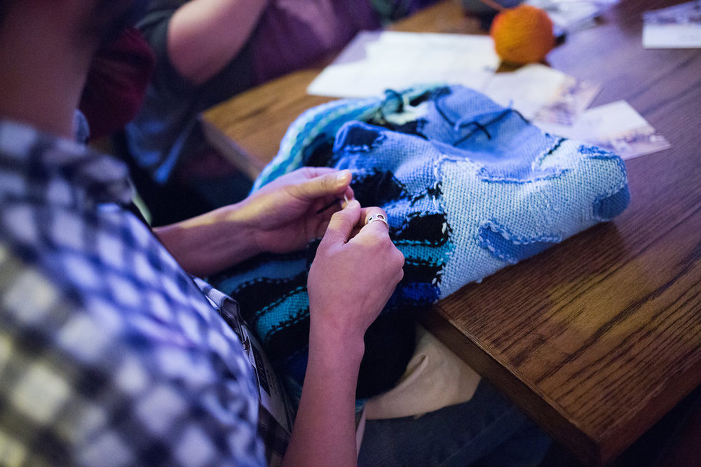 KnitNiteChicago_2018_Stitch_And_Hustle_HannahSchweissPhotography_WebResMASTER_28.jpg