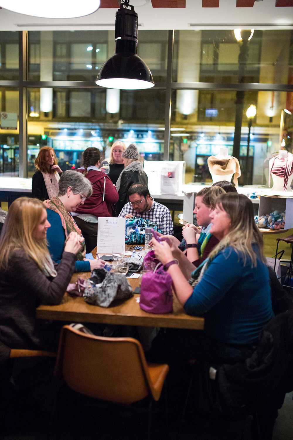 KnitNiteChicago_2018_Stitch_And_Hustle_HannahSchweissPhotography_WebResMASTER_106.jpg