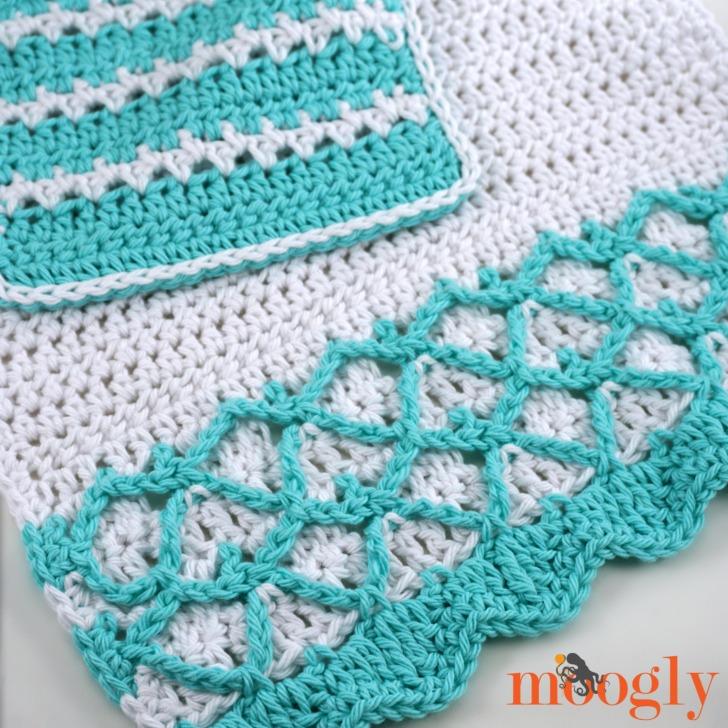 Mermaid-Towel-and-Washcloth-Set-together-closeup.jpg
