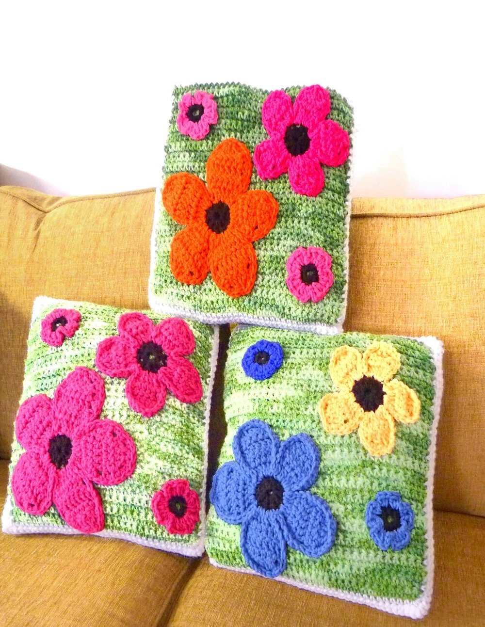 summer-pillows-free-crochet-pattern.jpg