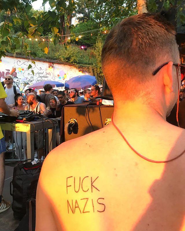 Lettenfest 2018. #lettenfest #desummerischeus #fucknazis #alltogether @sonnendeck_zurich @primitivo_obererletten @adilpajaziti