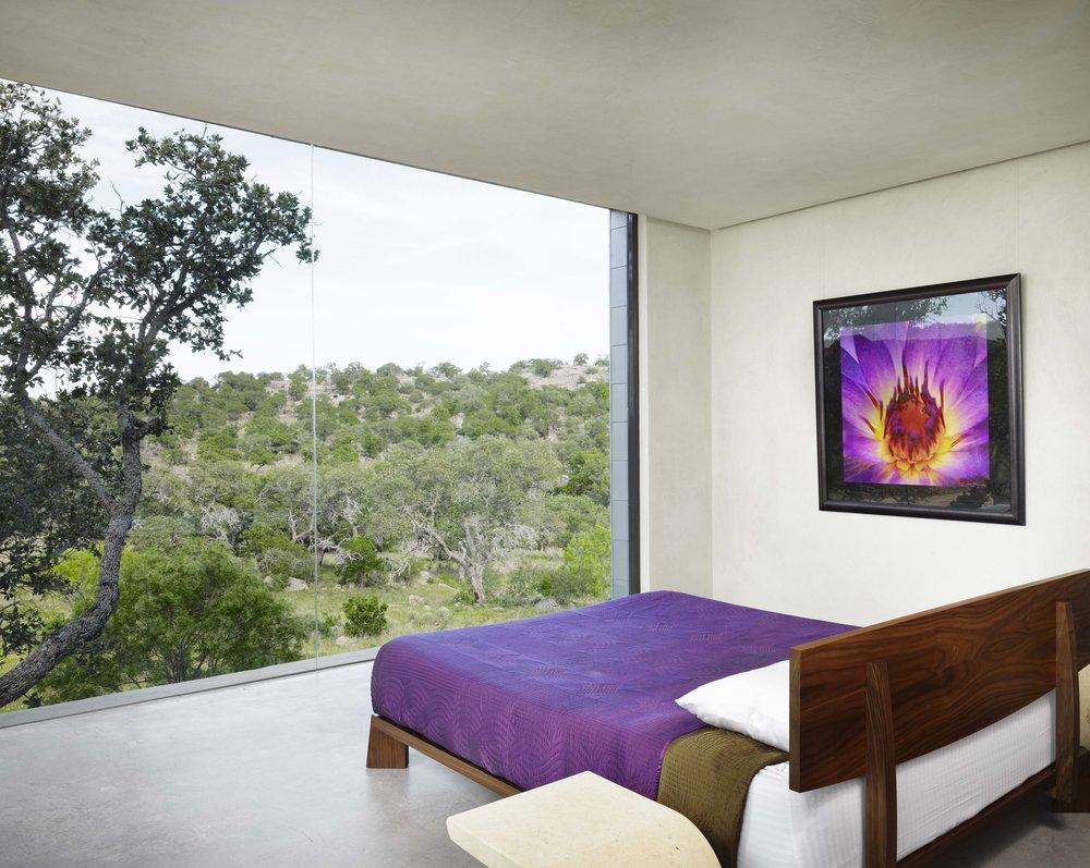 090525_upstairsbedroom2.jpg