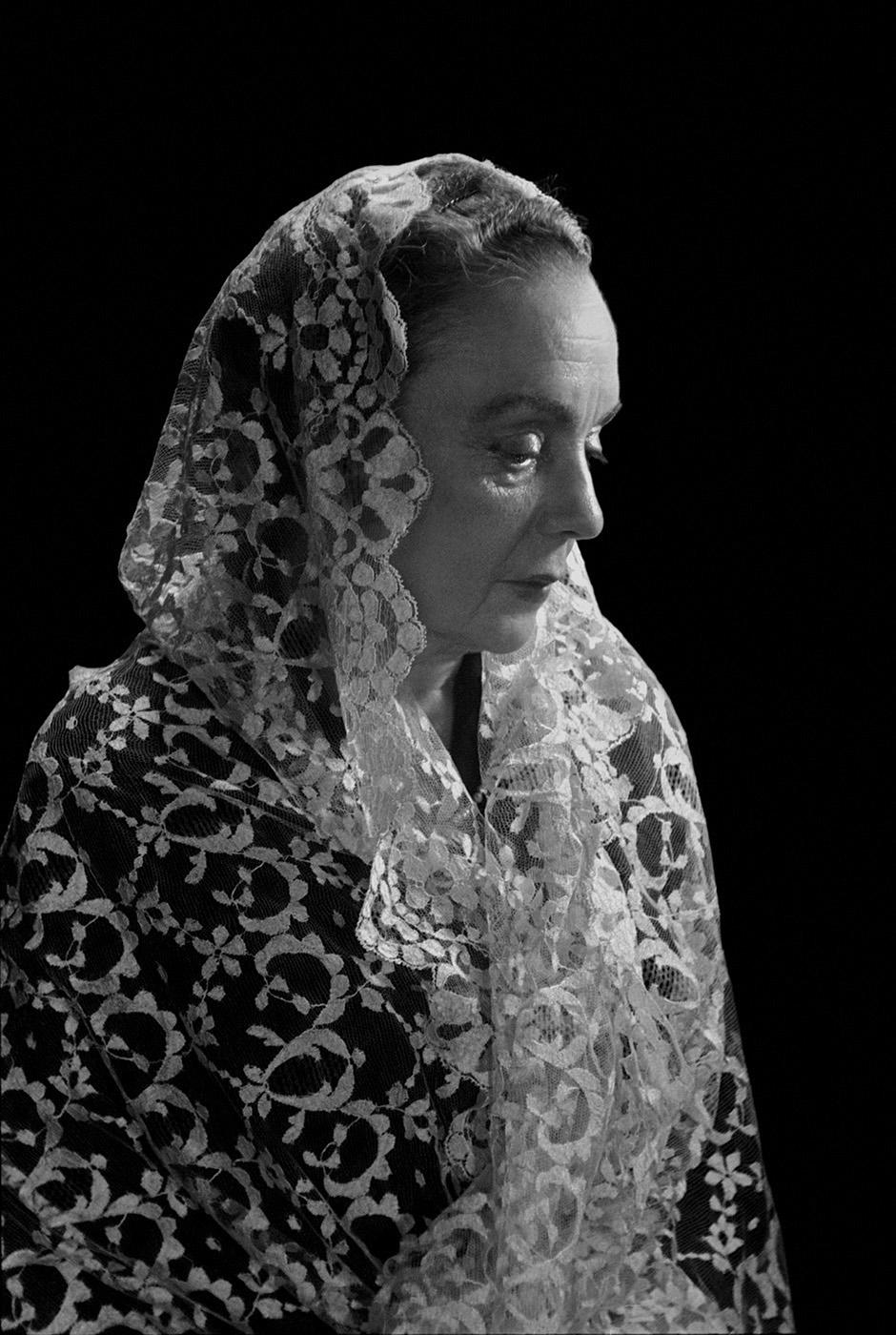 Sra. De Alvarez, Mexico, 1953