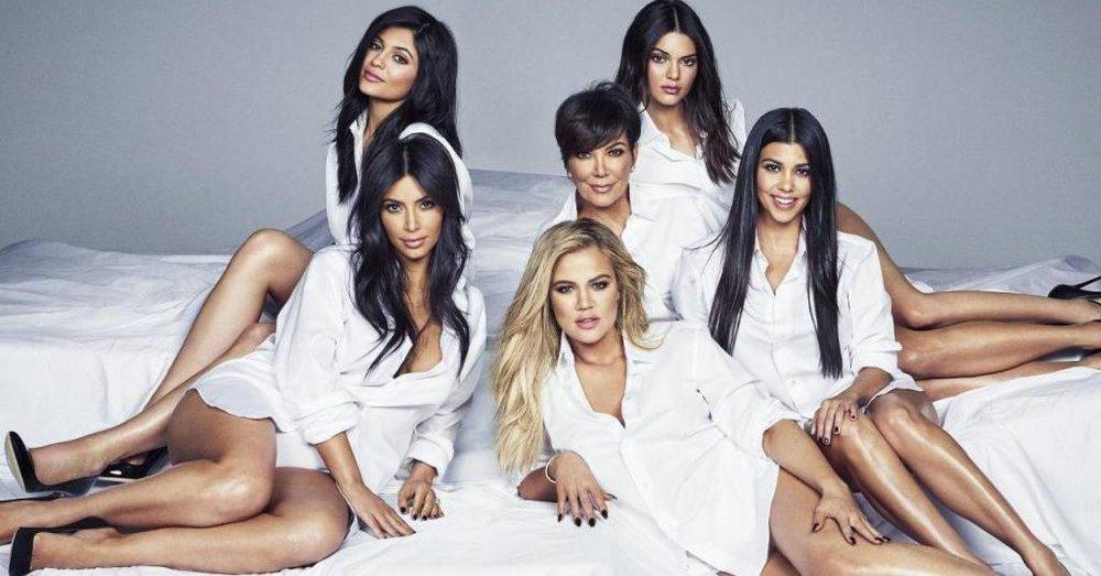 Cosmopolitan, 2015.