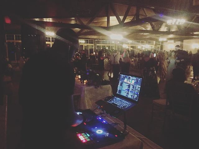 It was a pleasure to DJ for @hoeksma398 and @lauren.bosco this weekend, such a fun group of people! Congratulations to the happy couple 🥂 #HoBoWedding . . . #dj #music #weddingseason #weddingdj #controller #serato #macbook #pioneer #sprucewoodshores #winery #throwbacks #90s #80s #remixes #lights #sound #production #amherstburg #windsor #windsorweddings #winerywedding #events