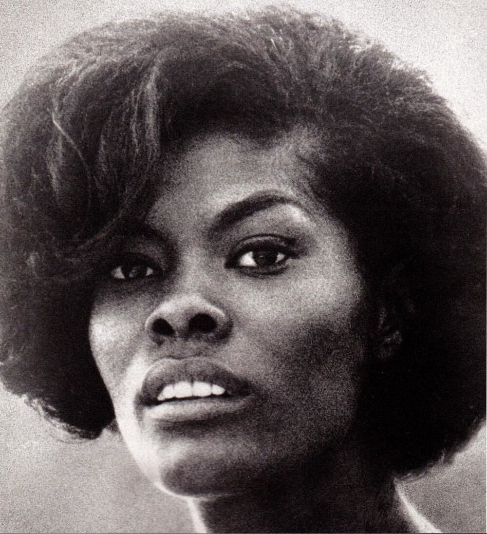 This Thurdsay at 7 pm CET season 2 of my radio show #madeinchina on #TSFJazz begins at 7pm begins with the eclectic elegant and stunning #DionneWarwick www.tsfjazz.com (at Tsf Jazz)