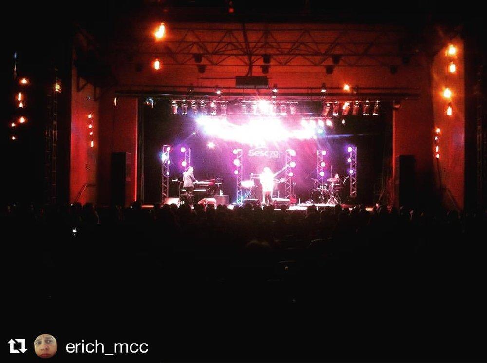Last night 💚🇧🇷🙏🏾#sescpiracicaba #brightlights #jazzeblues #brasil #singerontheroad