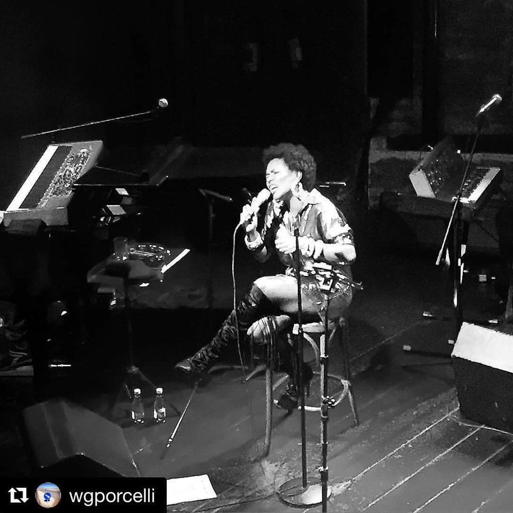 Passion. #artwithintention #Repost @wgporcelli ・・・ Singer (at Bourbon Street Music Club)
