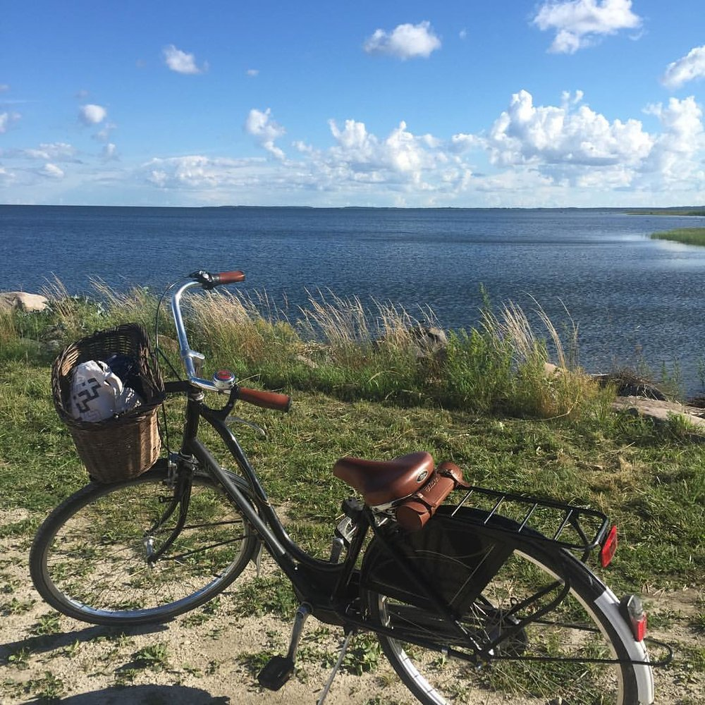 Just ride. 🚴🏾☀️🗾 (at Muhu, Saaremaa, Estonia)
