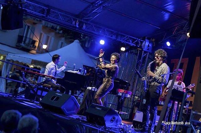 On stage with my musical support system ❤️💥🙌🏾 = #LuigiGrasso #RaphaelLemonnier #LukeWyner #MarijusAleksa #theinvisibledrummer 😎  (at JazzAscona)