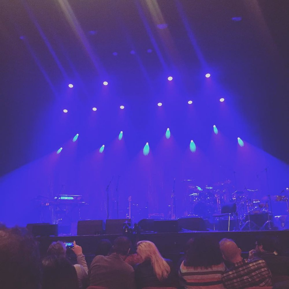 I think I have a good seat! #luckygirl #marcusmiller #olympia #paris #livemusic #concert #jazz #funk #blues #soul #afrodeezia  (à L'Olympia)