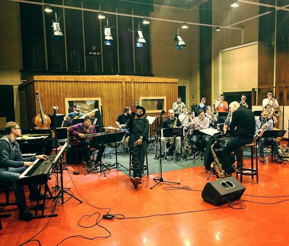 @marshallmusic Going in 🎤🤘🏽#musicalpartnersincrime #rehearsal #bigband #breakingpoint #itsinmydna #latvianbigband #riga #singerontheroad (à Latvijas Radio)