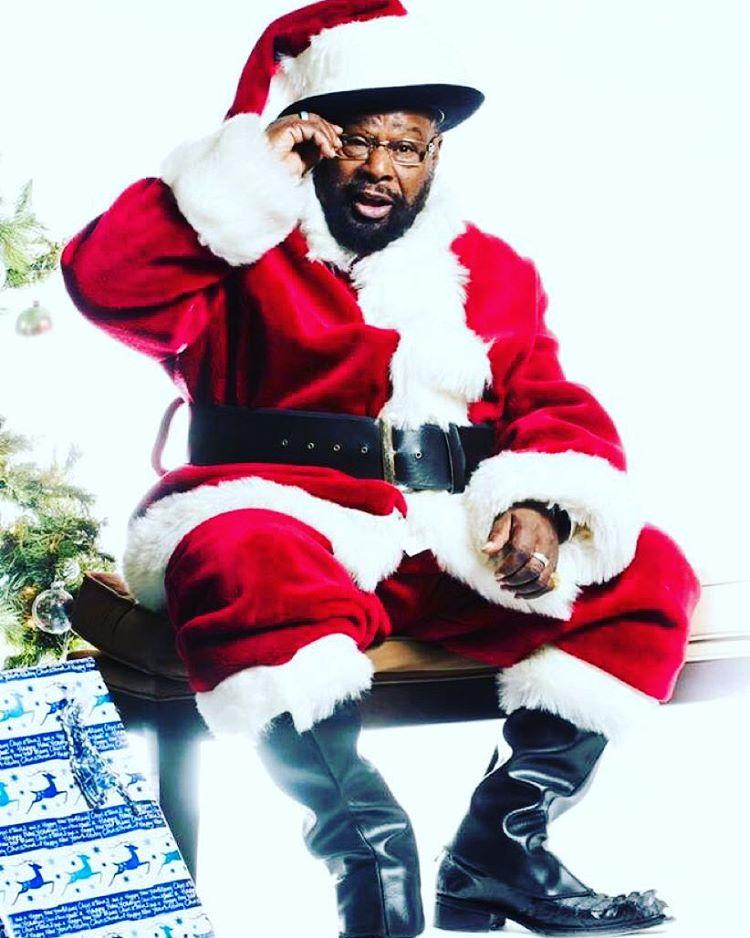 Ho Ho Ho #merryfunkadelicchristmas #georgeclinton  #pfunk #icon  #parliamentfunkadelic 📷: William Thoren 🎁🎄🙌🏾🙏🏾❤️🎅🏾😍