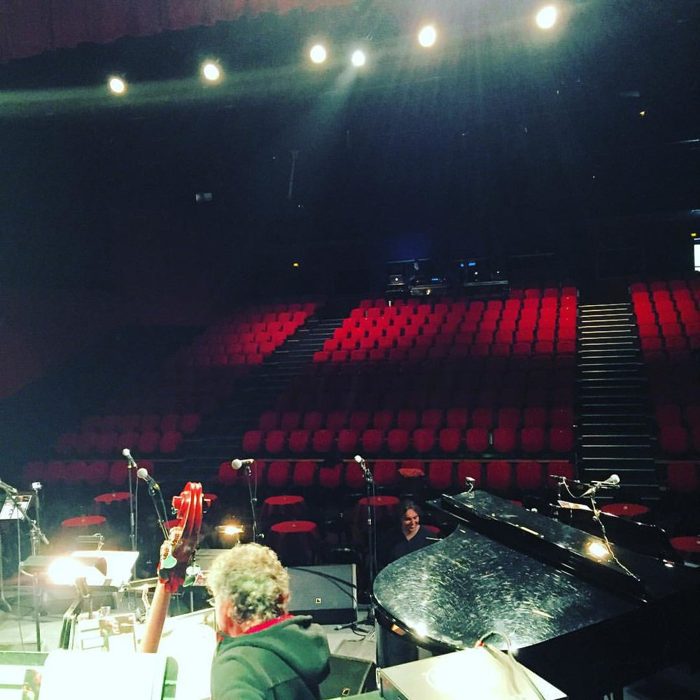 Our home for the evening! #latraverse #cleon #soldout #philippecresteebigband (à La Traverse à Cléon)