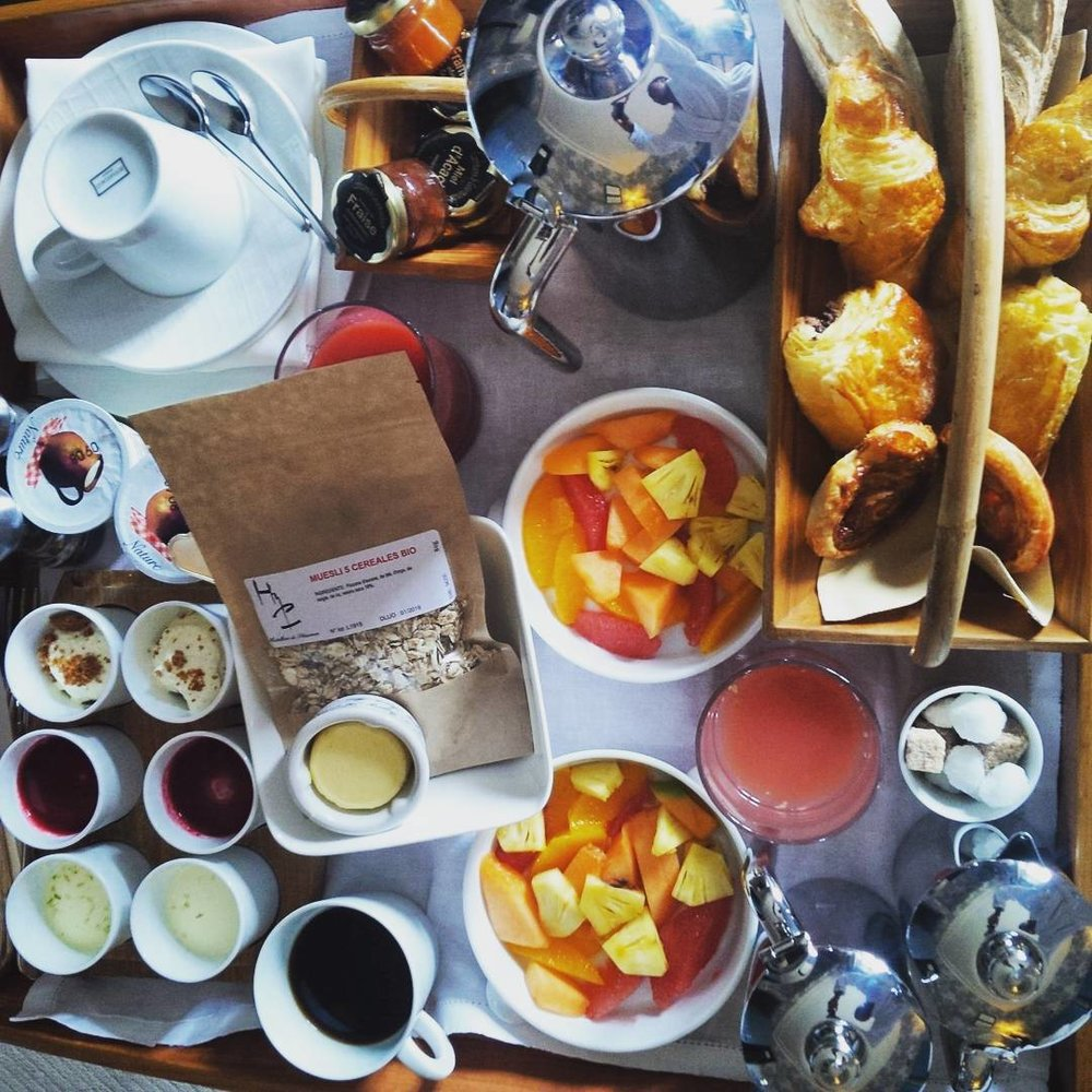 Wake up to this… Breakfast at l'hostellerie de La Plaisance. #stemilion #StEmilionJazz The quality is outstanding. #singerontheroad #hotellife #hotel #relaisetchateaux