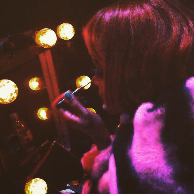 I am #sallybowles pic by #SamuelTheis @samueltheis #cabaret #theatrejorat #operaeclate #singerontheroad #backstage