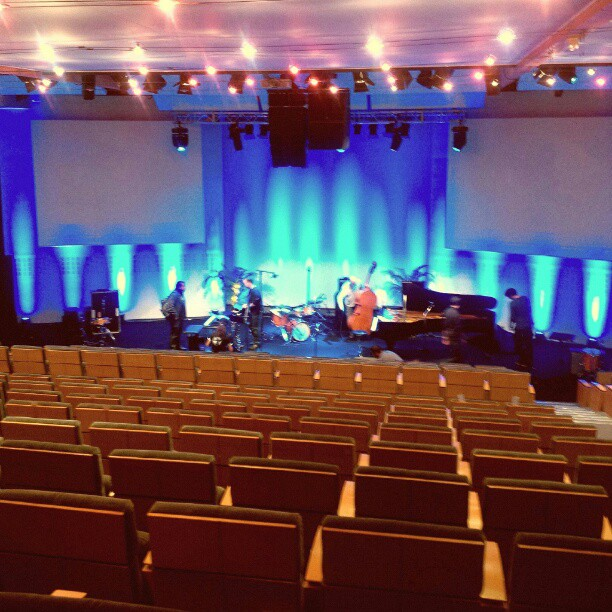 Auditorium du Cref. #colmar #jazzapleinevoix Where I am singing tonight. #singerontheroad #crazyblues #fromtheirpointofview