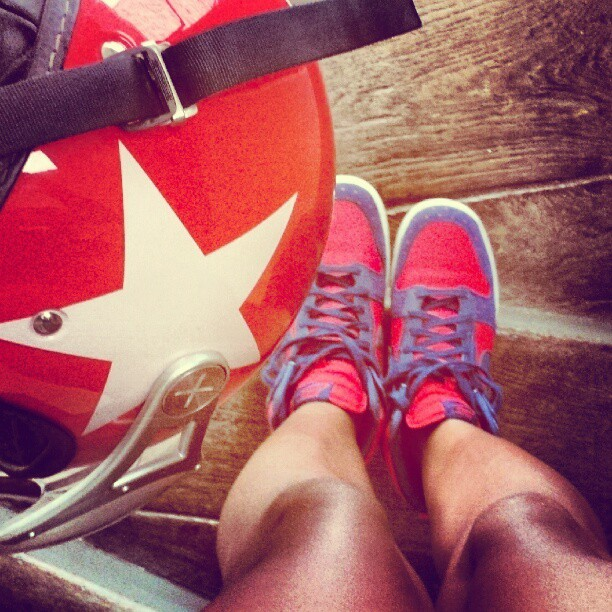 Feeling strangely patriotic. As if I have been inspired by #captainamerica #nike #scootergirl