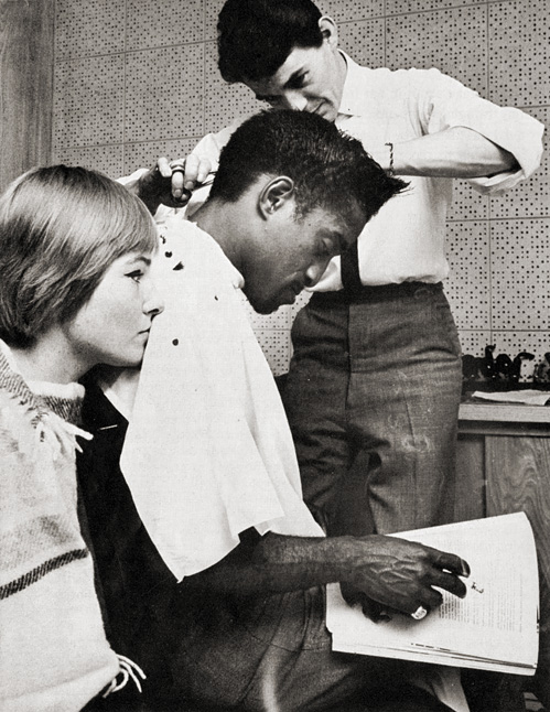 KEEPING HAIR FRESH. SAMMY DAVIS JR.