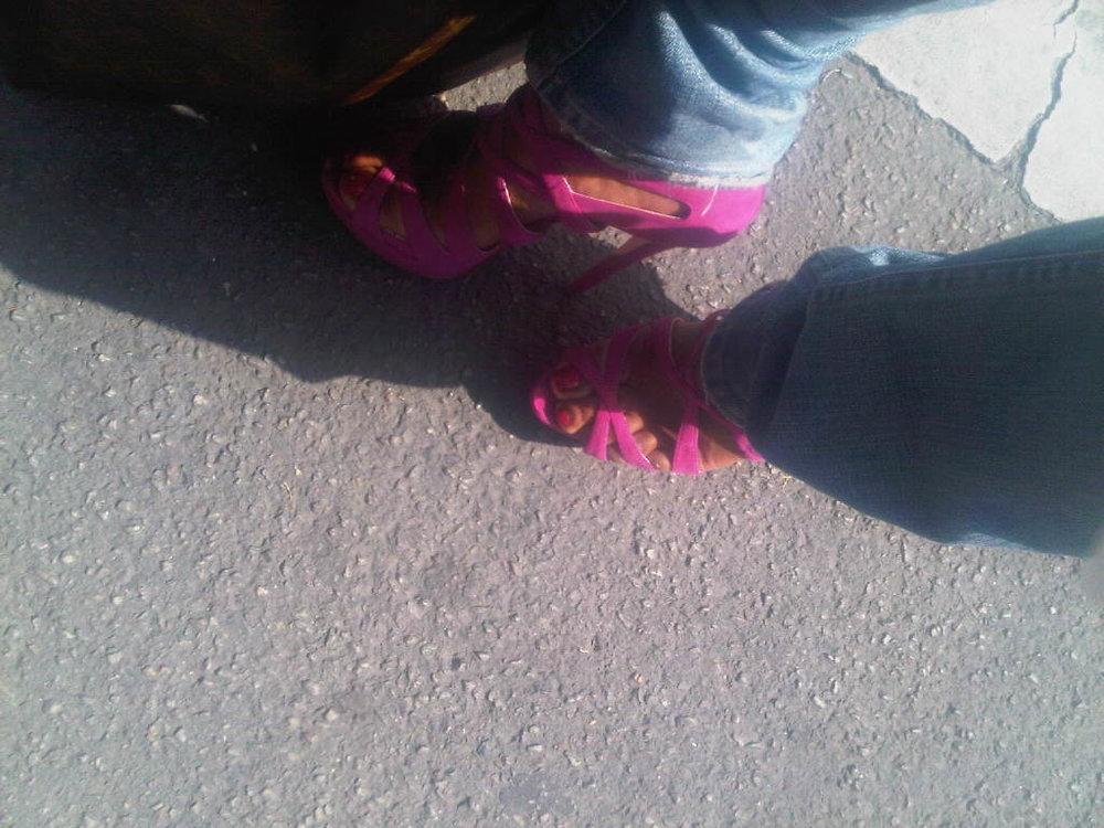 Et oui je marche avec des 16cm #Louboutin #shaketonbooty. I'm a woman!