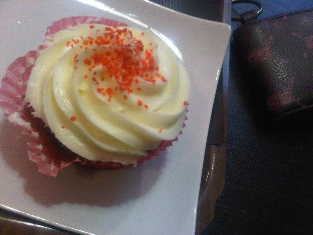 FOOD PORN: Mini redvelvet cupcake found in Paris next to the Olympia. Sweet!