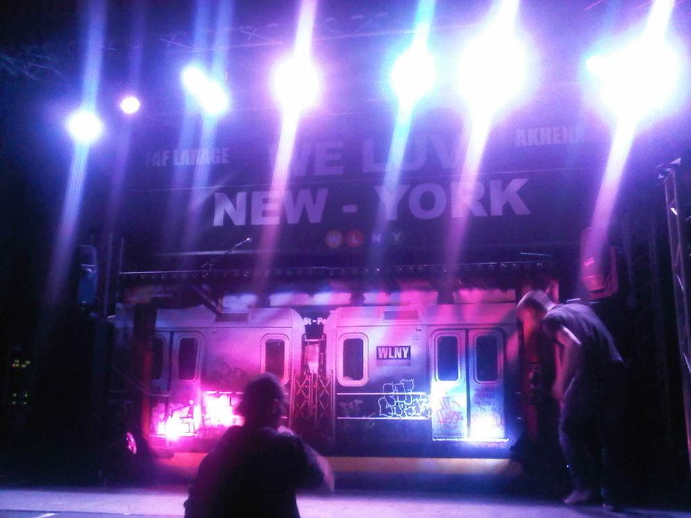 CONCERT: Faf Larage x AKH pour l'album We Luv New-York. Deux amis qui se retrouve sur scene grace a leur amour du Hip Hop. Divan du Monde. Paris, FR.