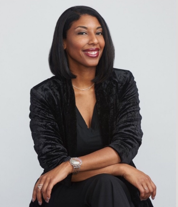 Khadijah Queen is the author of five books, most recently  I'm So Fine: A List of Famous Men & What I Had On  (YesYes Books 2017). Individual poems and prose appear in  Fence ,  Tin House ,  American Poetry Review ,  Memoir  and many other publications. She is an assistant professor of creative writing at University of Colorado, Boulder and core faculty for the Regis University Mile-High MFA program.  Photo by Michael Teak