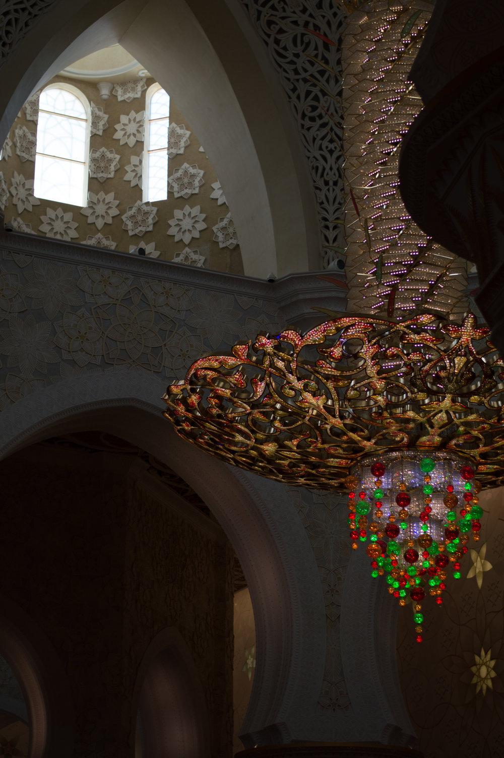 sheikhzayedmosquechandelier.jpg