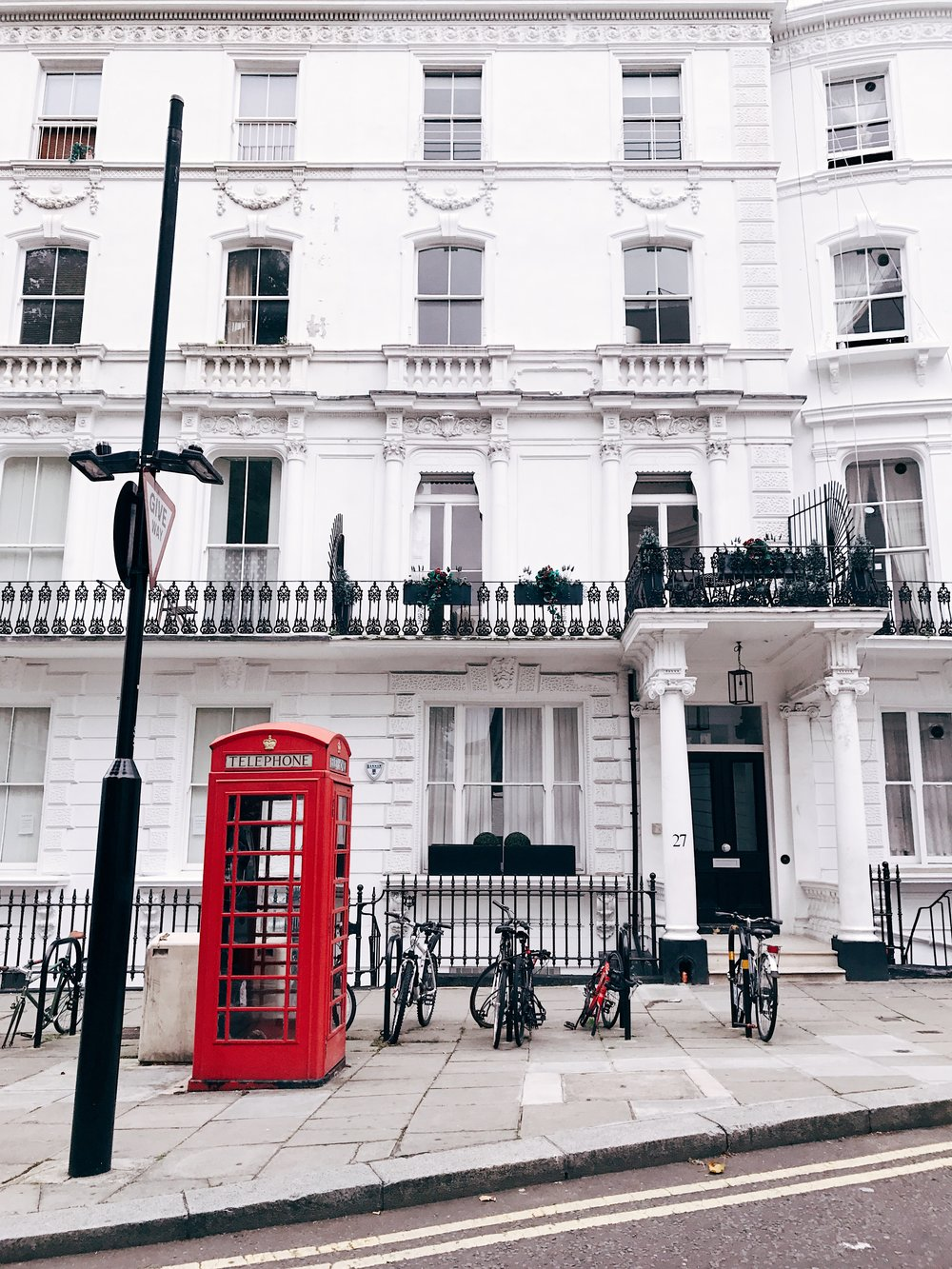 Image: Weekend in London - Telephone Booth - Notting Hill
