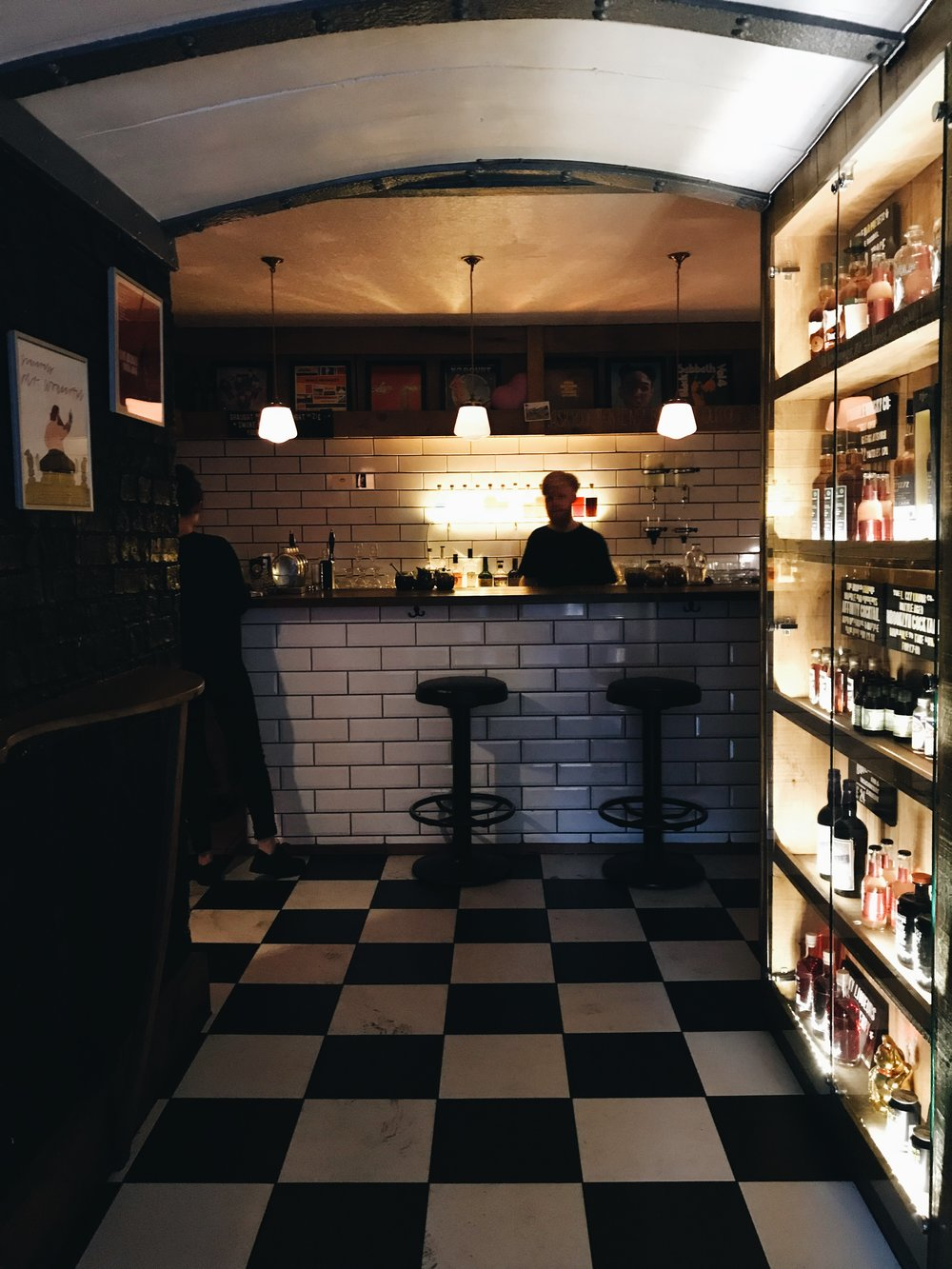 Image: Best Cocktail Bars in Edinburgh - Lucky Liquor Co