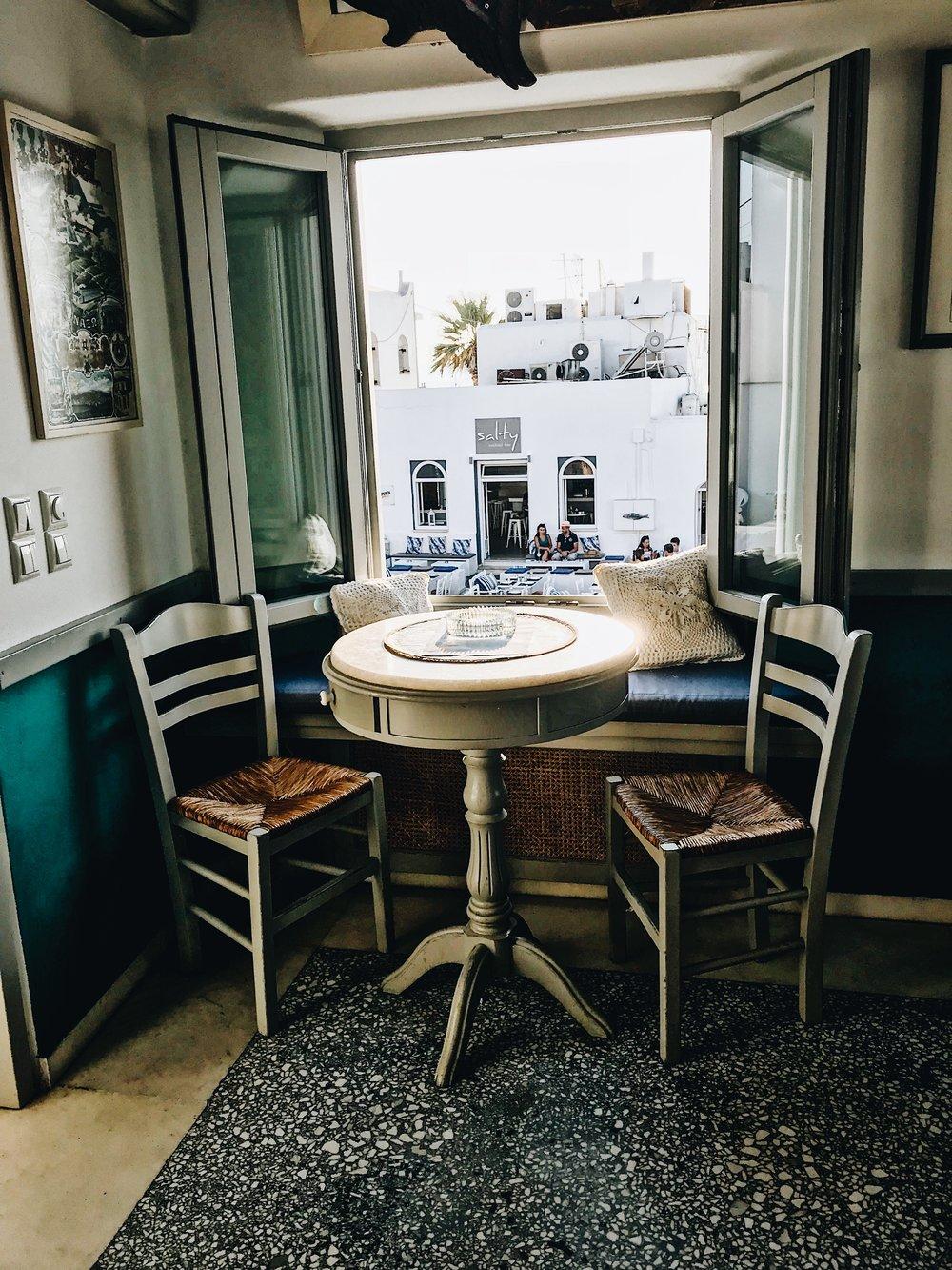 Sommaripa Consolato  cocktail bar in Naoussa, Paros