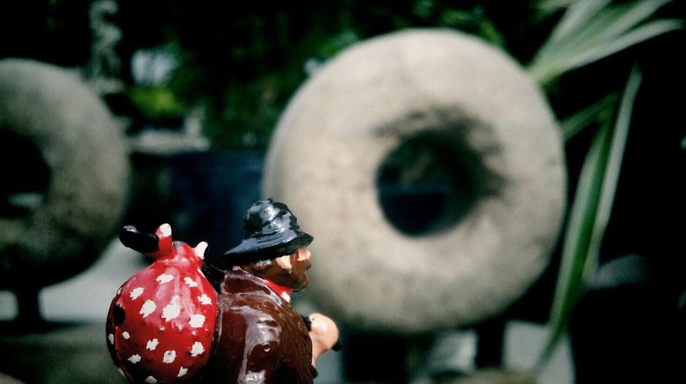 stone doughnut(s)