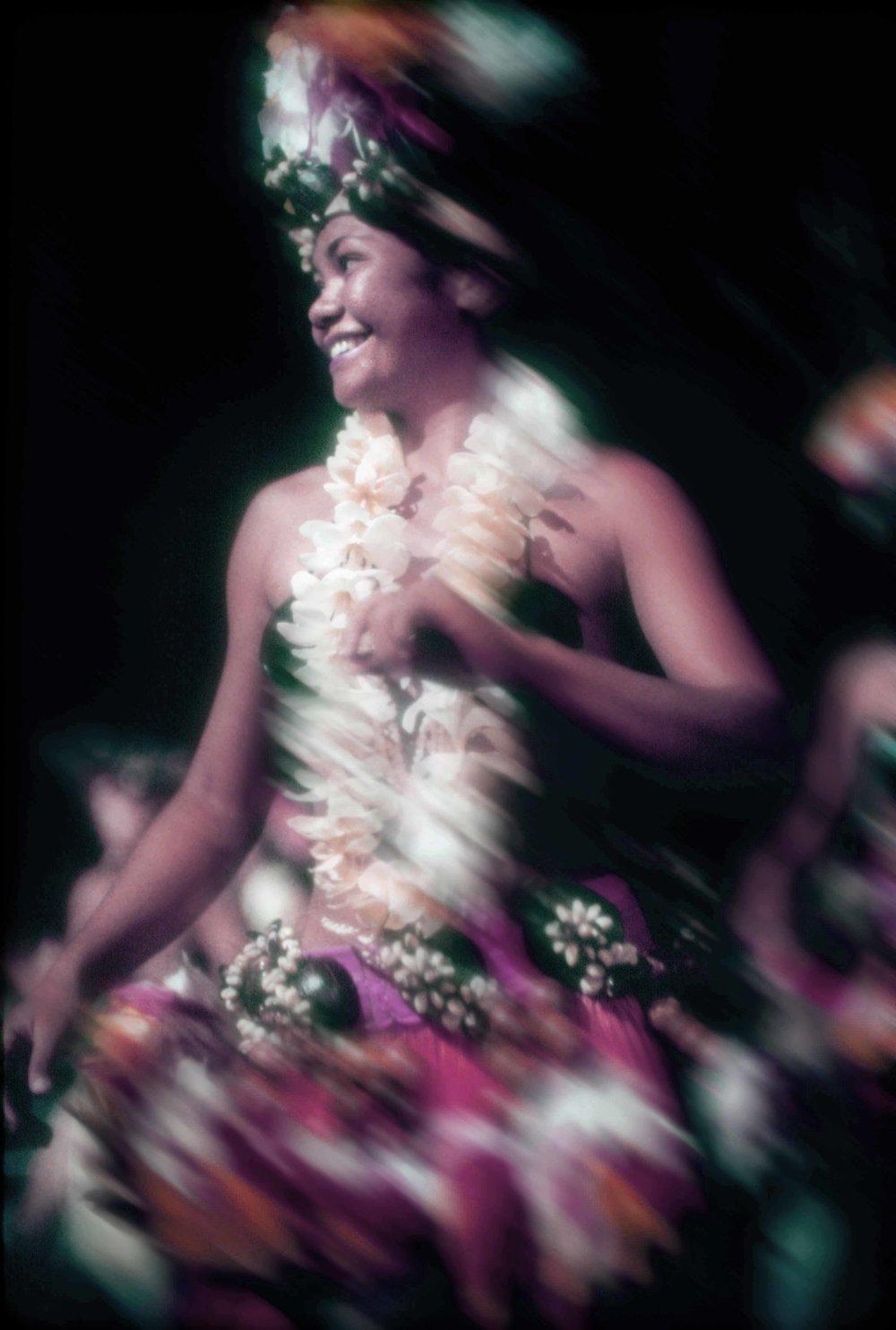 PolynesianDancerdesat1.jpg