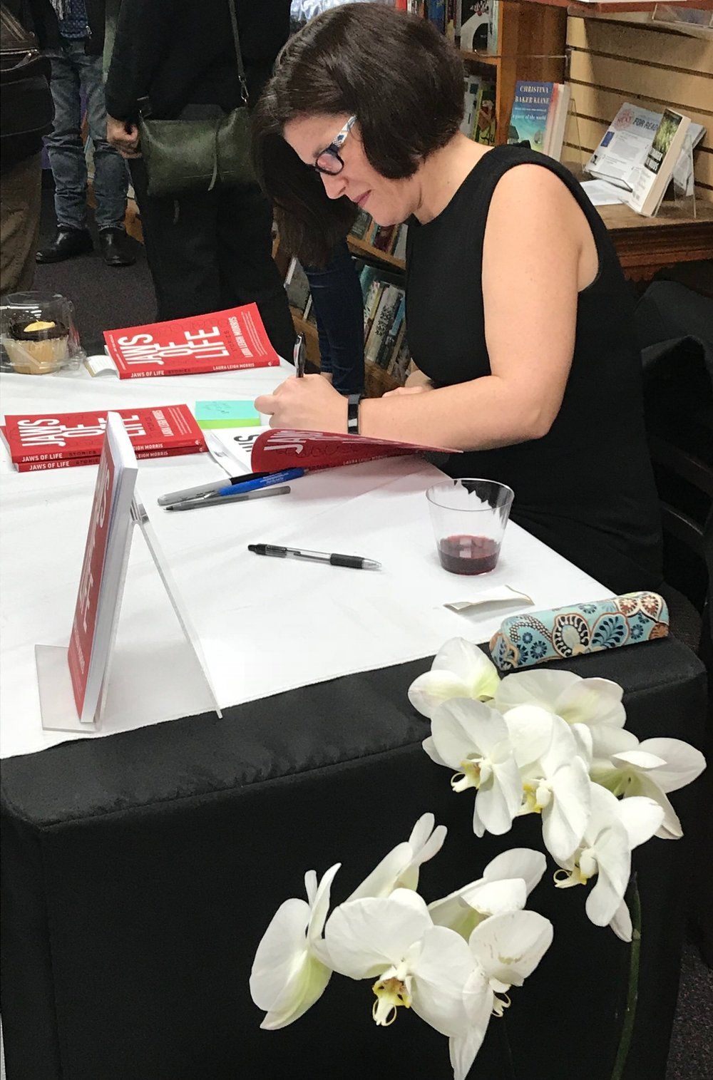 Laura signs copies of JAWS OF LIFE at her book launch at Fiction Addiction in Greenville, SC.
