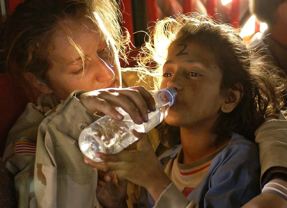 humanitarian-aid-939723_960_720.jpg