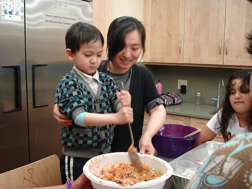 Hiyen and Yen mixing the Carrot Cake
