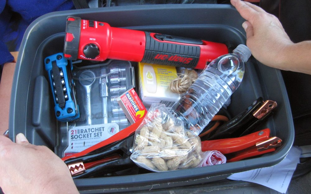 Essential-Items-to-Keep-in-Your-Car.jpg