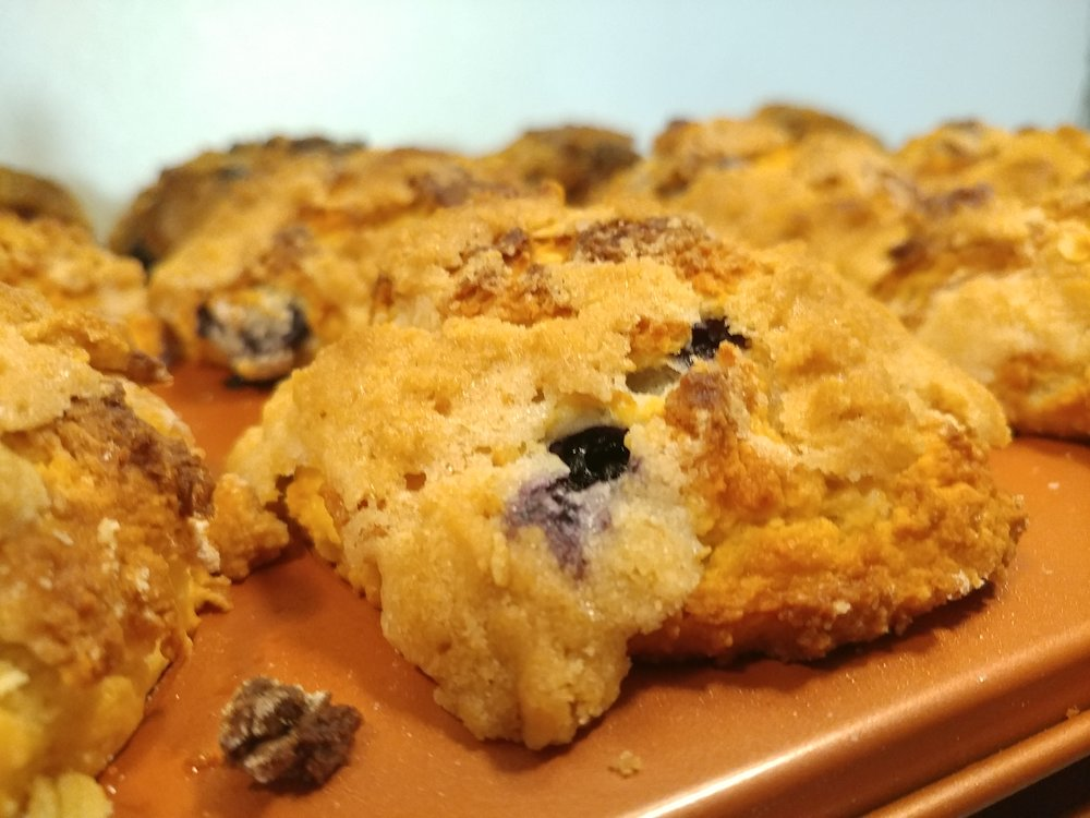 Blueberry muffins with strudel topping.