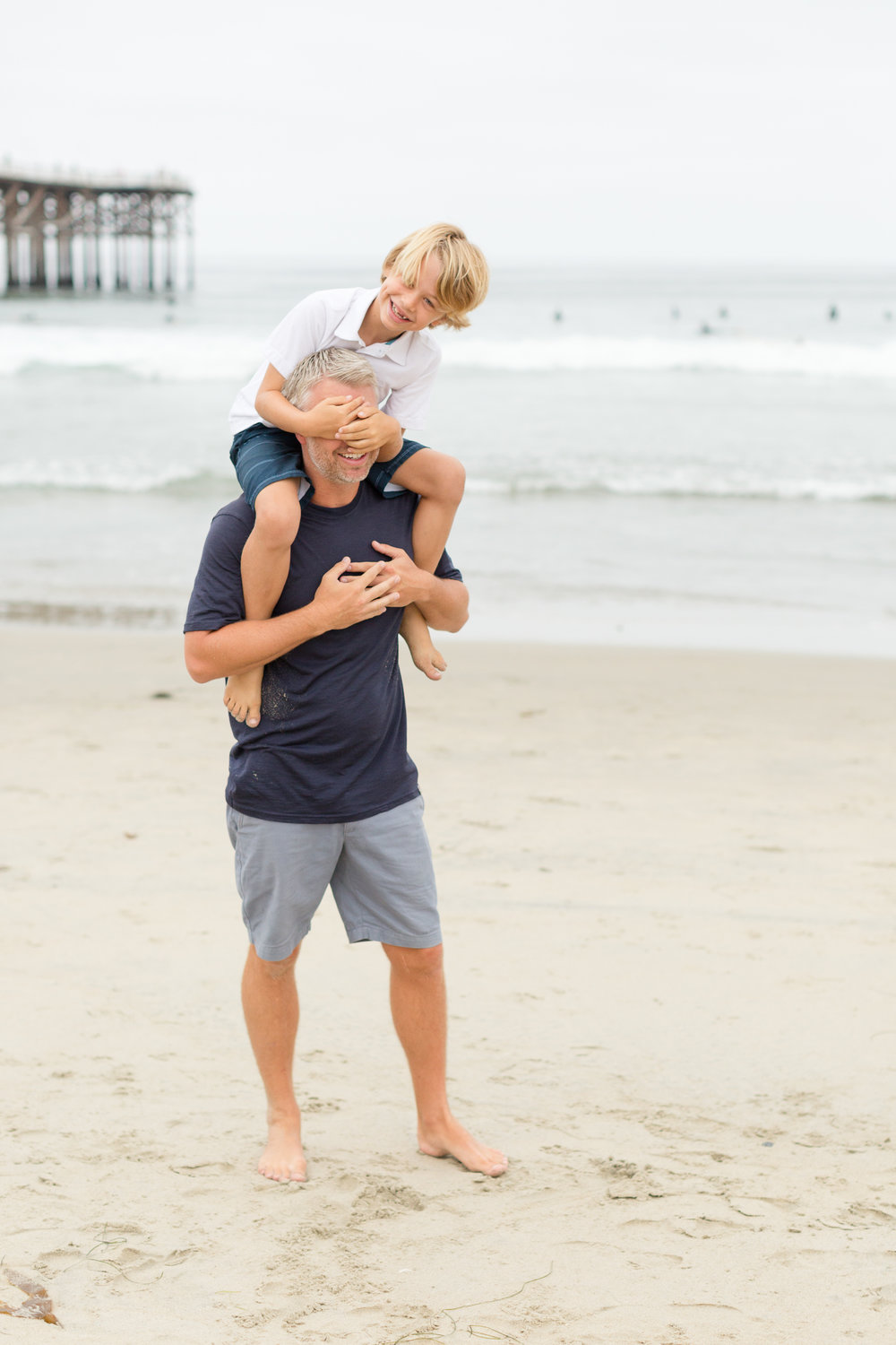 San_Diego_Family_photographer_christine_dammann_photography_Making_family_photos_fun_blog_WS5