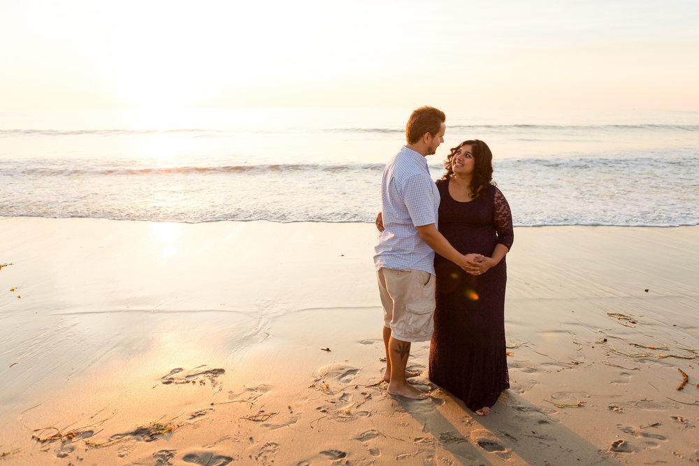San Diego Maternity Photographer Christine Dammann Photography Couple on beach 5