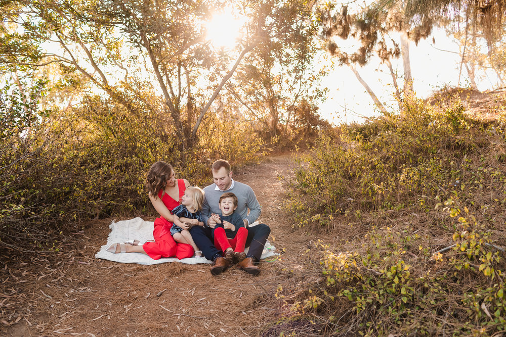 ADORABLE FAMILY LAUGHING TOGETHER AT SAN DIEGO'S PRESIDIO PARK