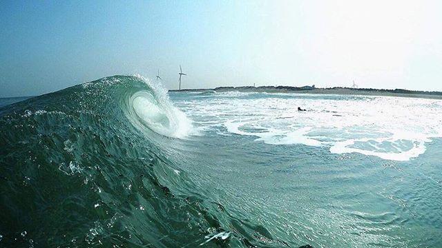 A view from the North Pacific with CORR ambassador @mattroberts.com.au . • #bumpsandbarrels #corrocean #japan